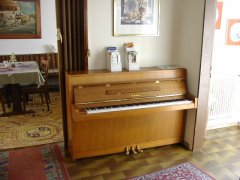 KlavierWaldeck.JPG